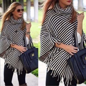 ONLY 2 LEFT🔥Turtle Neck Striped Knitted Poncho